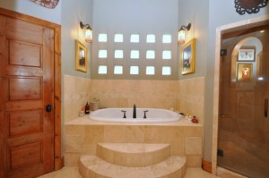 Houston Heights Mediterranean home has luxurious bath