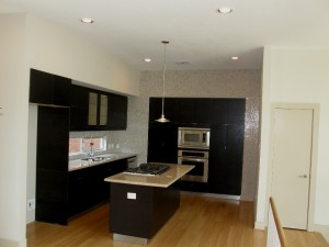 Great open kitchen in this East Downtown Houston townhome.