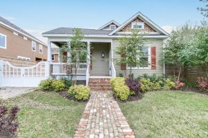 Remodeled Brooke Smith (Heights) home-605 Archer St