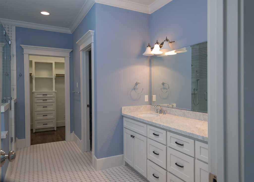 master bath of HDT Builders home