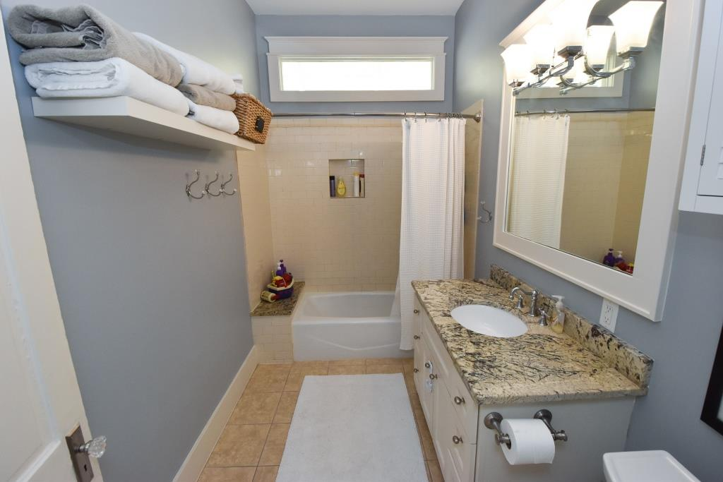 Bathroom of 2906 Houston Ave