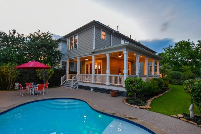 This Houston Heights home with a pool is for sale. 440 W 27th St