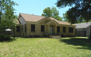 For Sale in Lindale Park-414 Eleanor